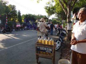 Benzine in flessen verkocht